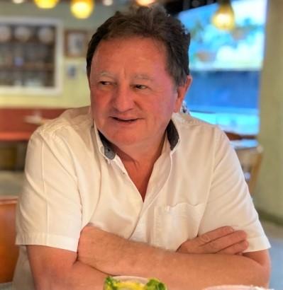 Ewan McDonald tutor at NZ Writers College freelance journalism course